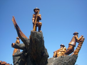 Chainsaw sculptures Ledgerwood