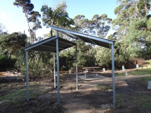 Shelter and picnic table, Bridport Walking Track
